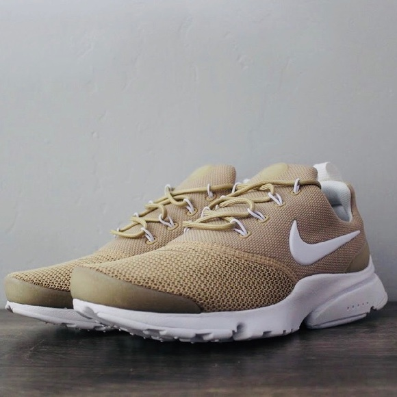 sports shoes 40739 99feb Women's Presto Fly Sand/White Running Shoe